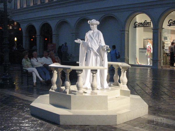venetian-stmark3-statue.jpg